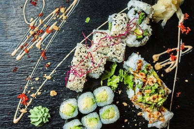 Inside out und vegetarische Makis